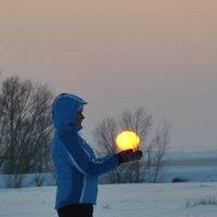 солнце в руках... :: Татьяна Котельникова