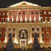 здание с историей :: Олег Лукьянов