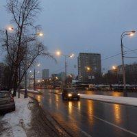 Ты течешь, как река, Щелковское шоссе :: Андрей Лукьянов
