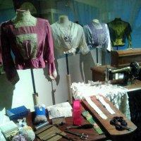 Ателье начала 20 века со старинными швейными машинками. (Музей Петропавловская крепость).Название :: Светлана Калмыкова