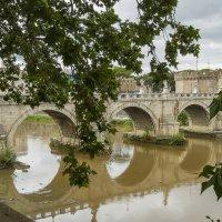 Мост Святого Ангела — пешеходный мост через Тибр в Риме :: leo yagonen