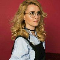 Девушка в очках :: Виктория Семенова