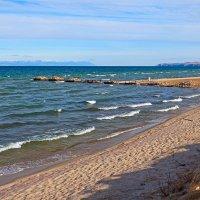 Песчаный берег острова :: Анатолий Иргл