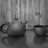 Обиженный чайник.. :: Клара