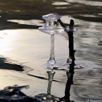 Хрустальный замок на воде ваяет нам мороз-художник.. :: Андрей Заломленков