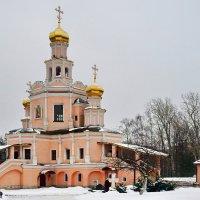 Церковь святых благоверных Бориса и Глеба в Зюзине :: Юрий Шувалов