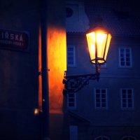 «Ночь, улица, фонарь…» :: Александр Макеенков