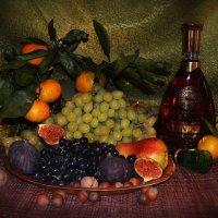 натюрморт с виноградом и фруктами :: Клавдия Андреева