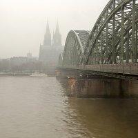Туман в городе :: Alexander Andronik