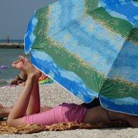 The Box - пляж эмоций. Не то релакс, не то сиеста... :: Александр Резуненко