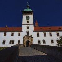 Парадный вход в большой замок :: M Marikfoto