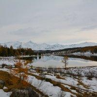 Озеро Киделю в октябре. :: Валерий Медведев