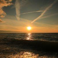 Необычный закат :: valeriy khlopunov