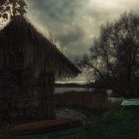 Вечерело в деревне... :: Александр Вивчарик