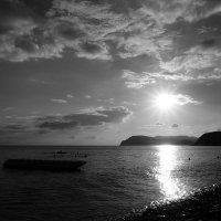На морском берегу :: Алексей Афанасьев