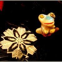 Ретро - снежинка и лягушонок :: Нина Корешкова
