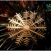 Ретро - пластмассовая снежинка :: Нина Корешкова