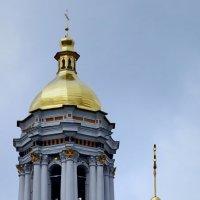 Вид на Большую колокольню Киево-Печерской Лавры :: Владимир Бровко