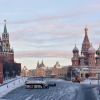 Утро Москвы :: Oleg S
