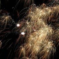 И салютуя в Новый год мы все желанья загадали! :: Андрей Заломленков