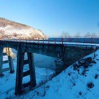 Бетонный мост через Ангасолку :: Анатолий Иргл