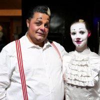 Клоун из Франции Тотти с ассистенткой :: Евгений Кривошеев