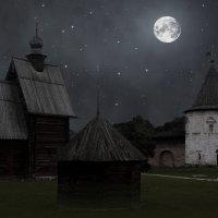 Лунная ночь в Юрьев Польском :: Евгений