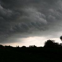 Кажется дождь собирается :: Сергей Клюев