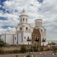 Церковь Св. Франциска Ксаверия (др. ракурс, Аризона, США) :: Юрий Поляков