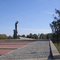 Монумент Воинской и Трудовой Славы :: Анна Воробьева
