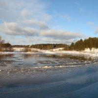 Январский ледоход....река Ухтохма...Ивановская область... :: leonid