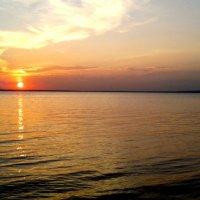 Закат над озером Плещеево :: Дарья Холод