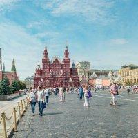 Прогулка по Красной площади. :: Анатолий Щербак