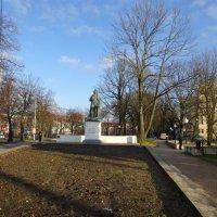 Памятник Шиллеру в Калининграде. :: галина