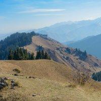 Осенью в горах :: Горный турист Иван Иванов