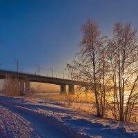 Низкое солнце над Ангарой :: Анатолий Иргл