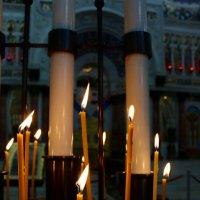 Сгорая плачут свечи... :: Ольга