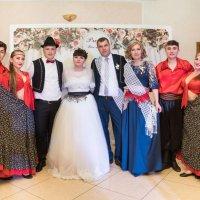 танцоры на свадьбе :: Юрий Удвуд