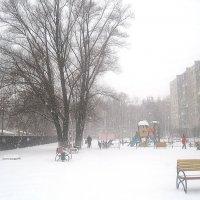А снег идет.. :: Елена Семигина