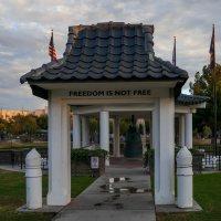 Мемориал погибшим во 2-й мировой войне (г.Феникс, США) :: Юрий Поляков