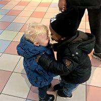 Есть белые дети, есть черные дети, есть желтые дети на нашей планете! :: Наталья