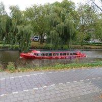 Экскурстонный катер в Амстердаме :: Natalia Harries