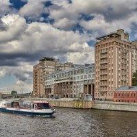 Дом на набережной :: Alexsei Melnikov