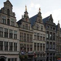 Роскошные здания гильдий на рыночной площади :: Елена Павлова (Смолова)