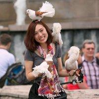 любительница голубей :: Олег Лукьянов
