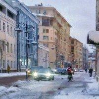 Куда-то улочка стремится - как знать – куда  она выводит? :: Ирина Данилова