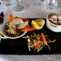 обед в рыбном ресторане :: Александр Корчемный