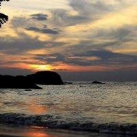 Тайланд настолько разнообразен, что заходящее солнце здесь можно снимать тысячи раз... :: Вадим Якушев
