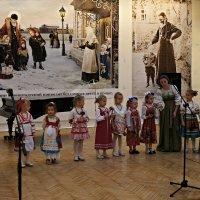 Выступление детского фольклорного ансамбля :: Елена Павлова (Смолова)