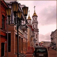 На старой улочке города... :: Vladimir Semenchukov
